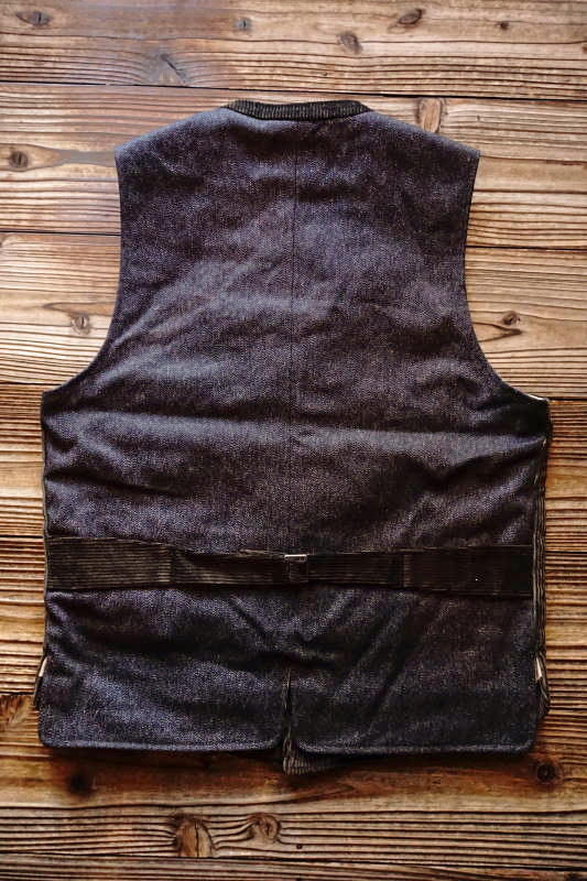 BY GLAD HAND LOWELL - VEST D.BROWN