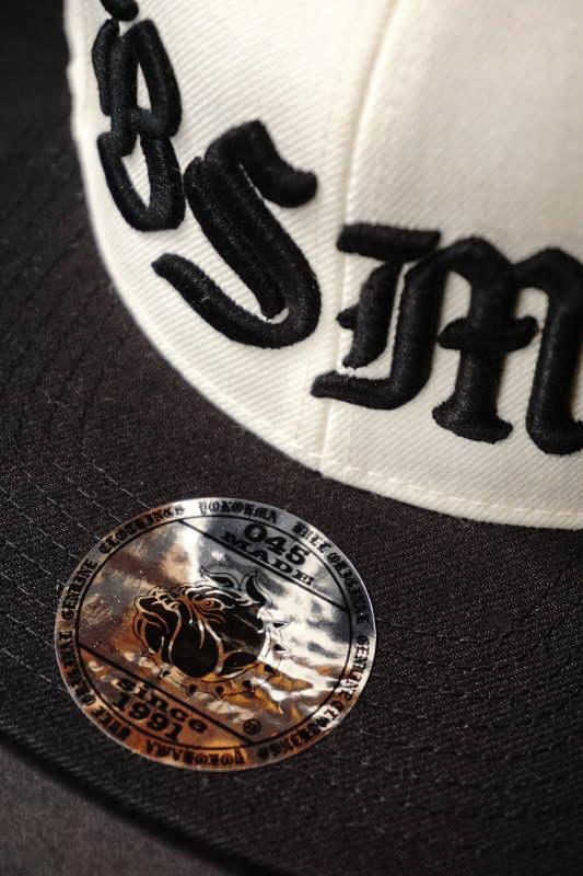 B.S.M.G. BASEBALL - CAP WHT× BLK