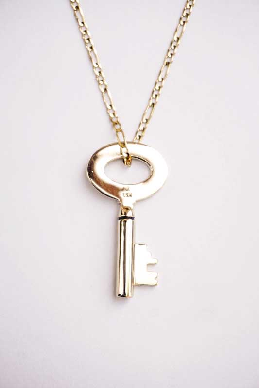 GLAD HAND JEWELRY KEY TOP & CHAIN