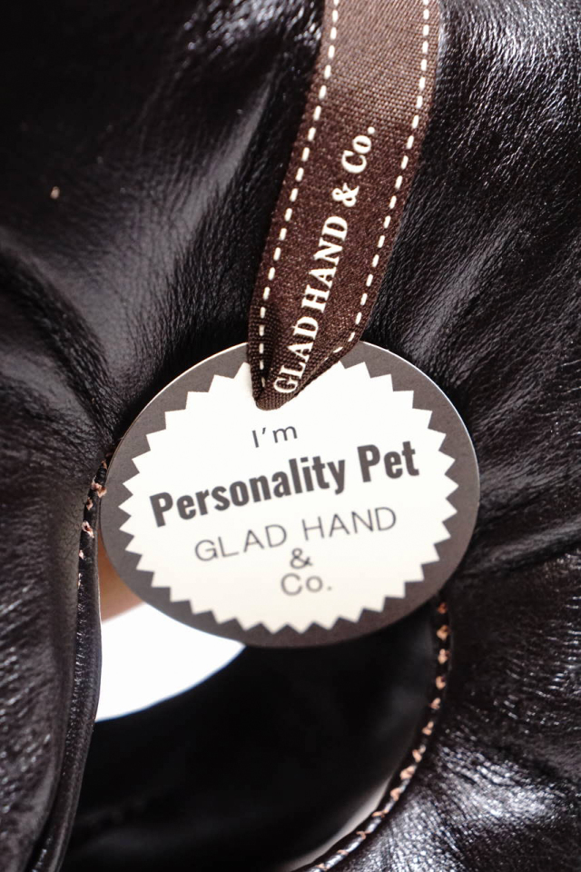 GLAD HAND × THE REAL McCOY'S PERSONALITY PET