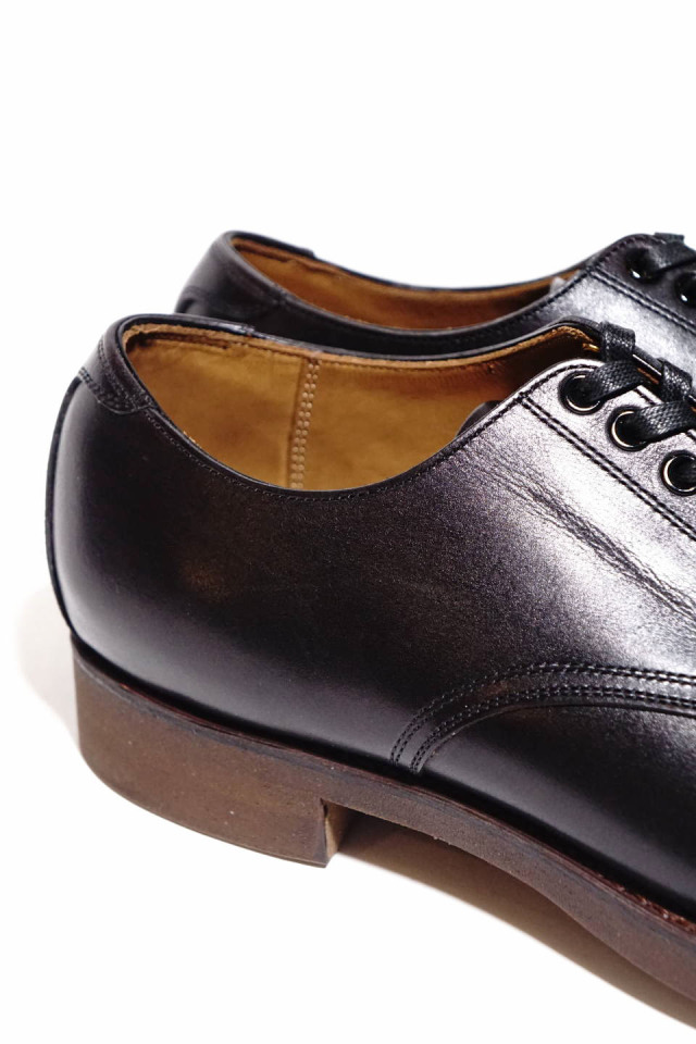 CLINCH Service shoes