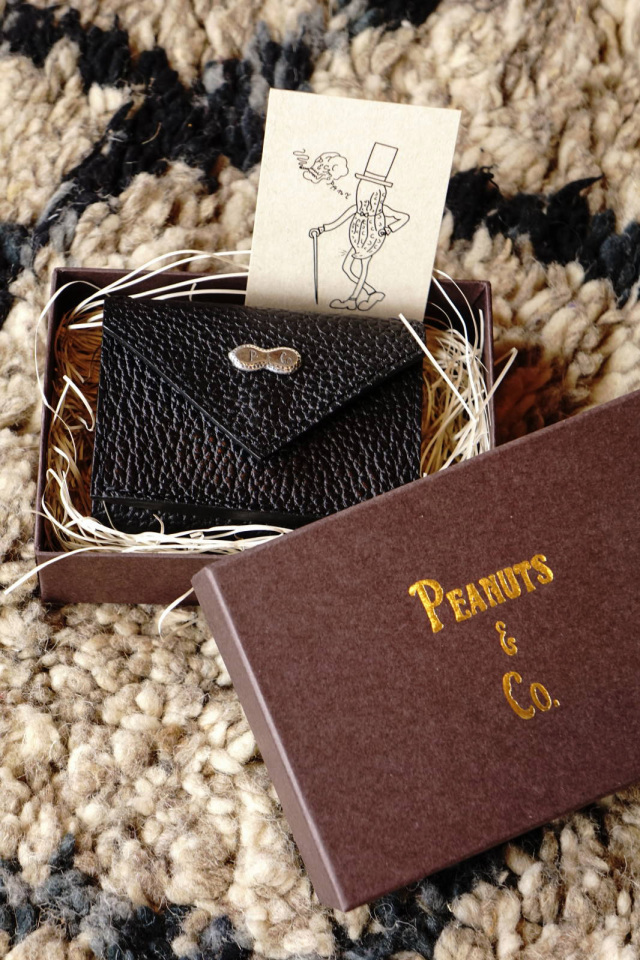PEANUTS & Co. SMALLER WALLET
